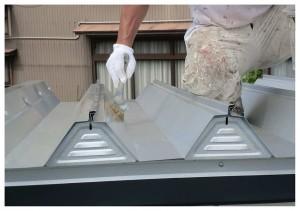 コンテナ錆止め 屋根CCP刷毛塗り状況